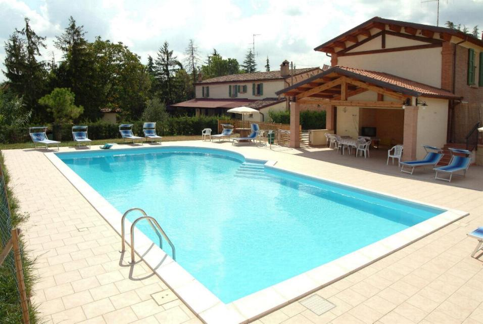 Migliori agriturismi d 39 italia vacanze nella natura eventi e centri benessere - Agriturismo con piscina trentino ...